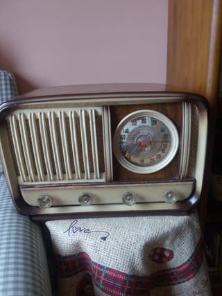 vendo radio antigua