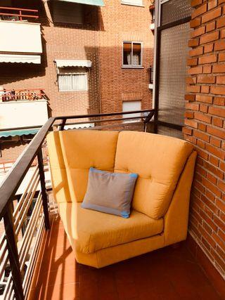 Esquina de sofá, amarillo