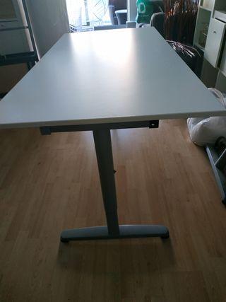 Mesa despacho Ikea de segunda mano en Valencia en WALLAPOP