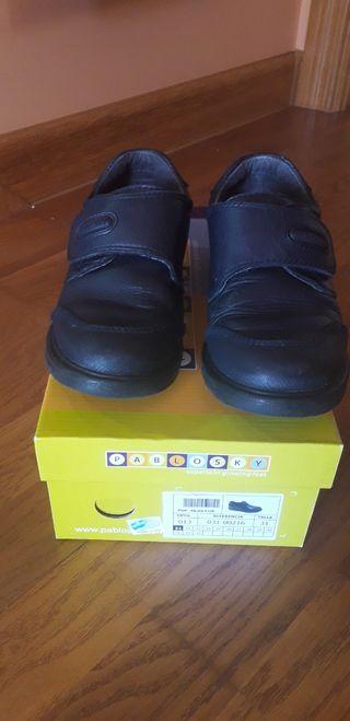 Zapatos uniforme Pablosky T.31