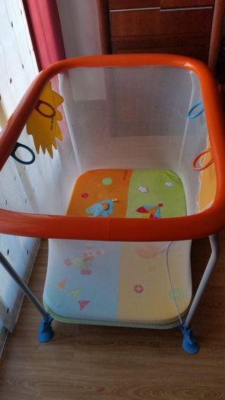 Parque infantil en buen estado