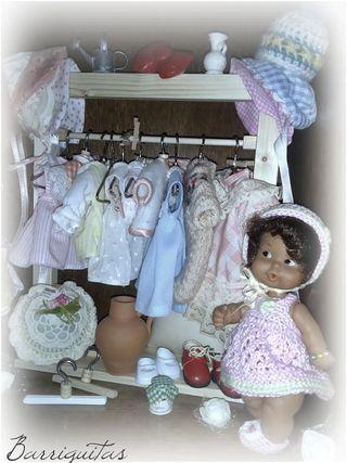 Perchero para muñecas Barbie, Nancy, Blythe, etc..