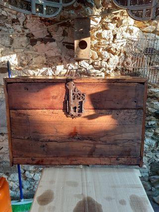 antiguo bargueño S.XVI catalán