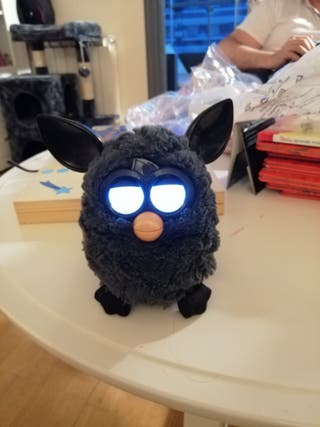 Furby modelo antiguo sin caja