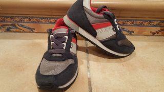 Zapatos deportivos de niño talla 30