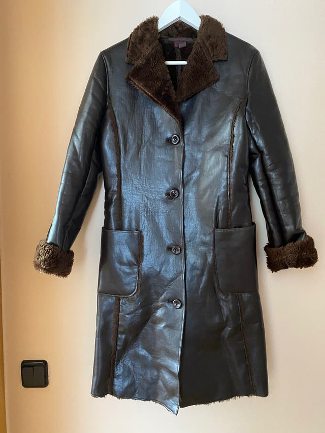Abrigo de mujer Zara.