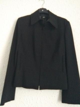 chaqueta negra MANGO talla M