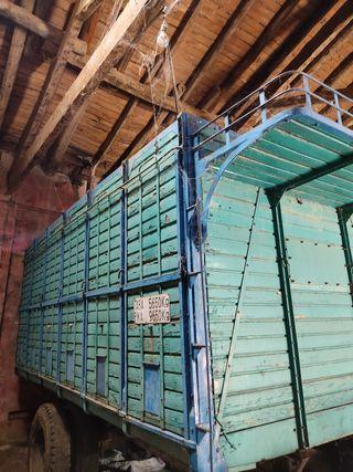 caja de camión ganadera