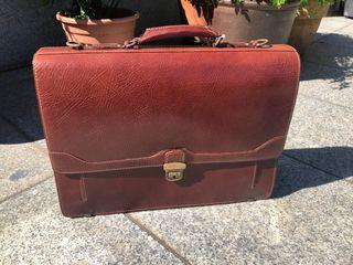 Cartera maletin Portadocumentos 100% piel.