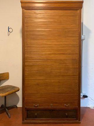 Armario persiana madera