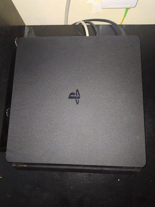 PS4 SLIM CON DOS MANDOS
