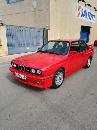 BMW E30 M3 1988