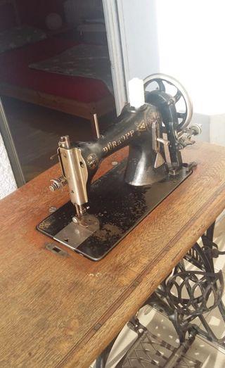 Antigua máquina de coser alemana, Dürkopp