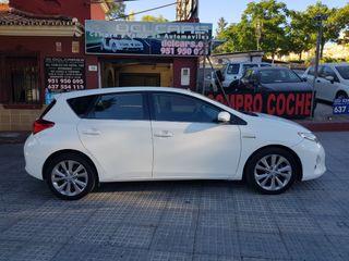 Toyota Auris Hibrido año 2015