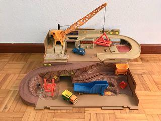 """Centro de construcción de """"HotWheels"""", Año 1985."""