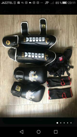 se vende cosas de King Boxing estás nuevas