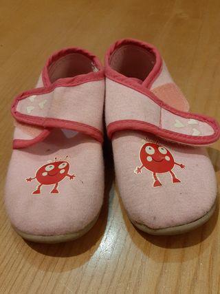 zapatillas niña 23 lupilu