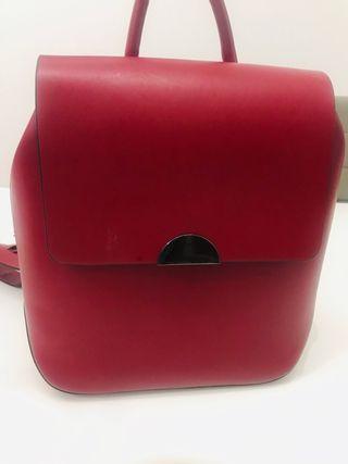 Bolso mochila imitación cuero Zara