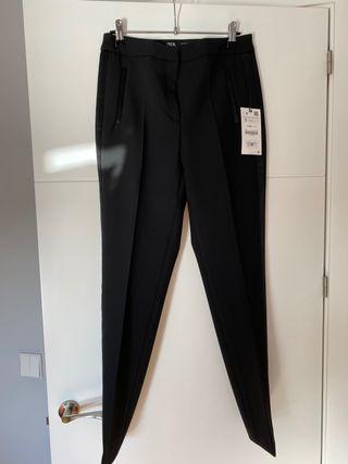 Pantalon tobillero negro, Talla 36. Sin estrenar