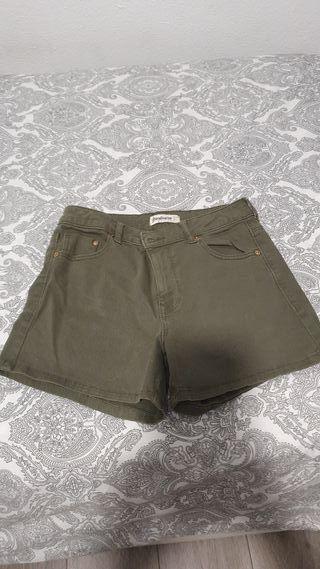 pantalon corto stradivarius