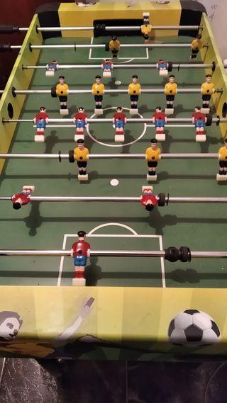 vendo futbolín usado pokisimo 50€ no negociables