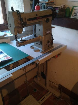 Maquina de coser triple arrastre