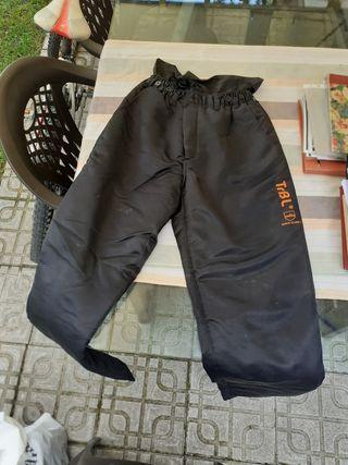 botas y pantalon anticorte