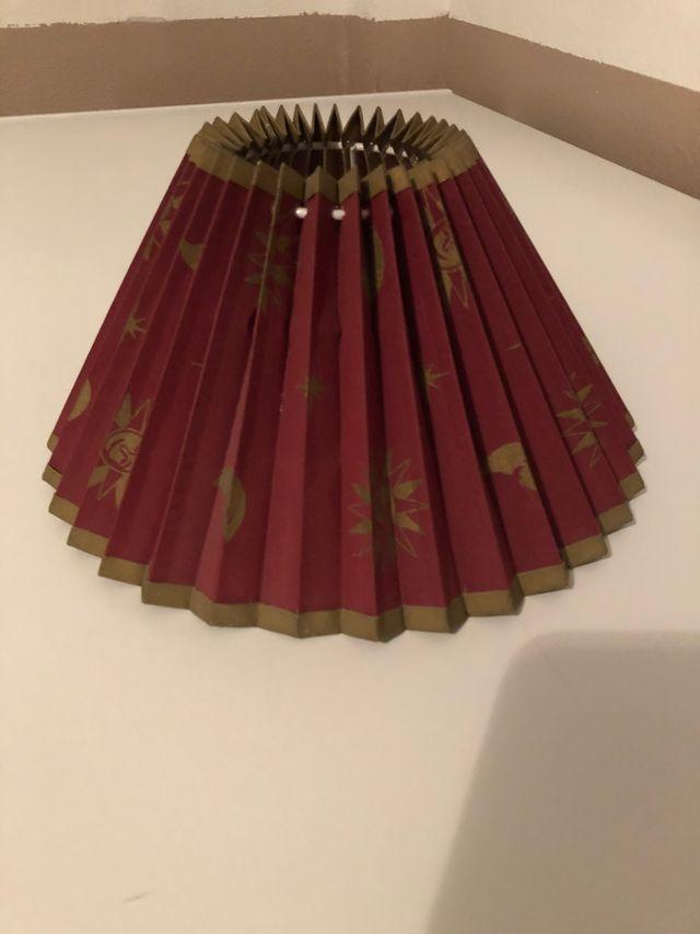 Pantalla o tulipa para lámpara