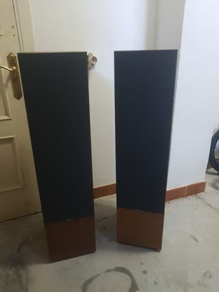 Altavoces Boston Acoustics T1000