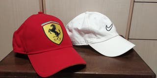Gorras. Ferrari y Nike