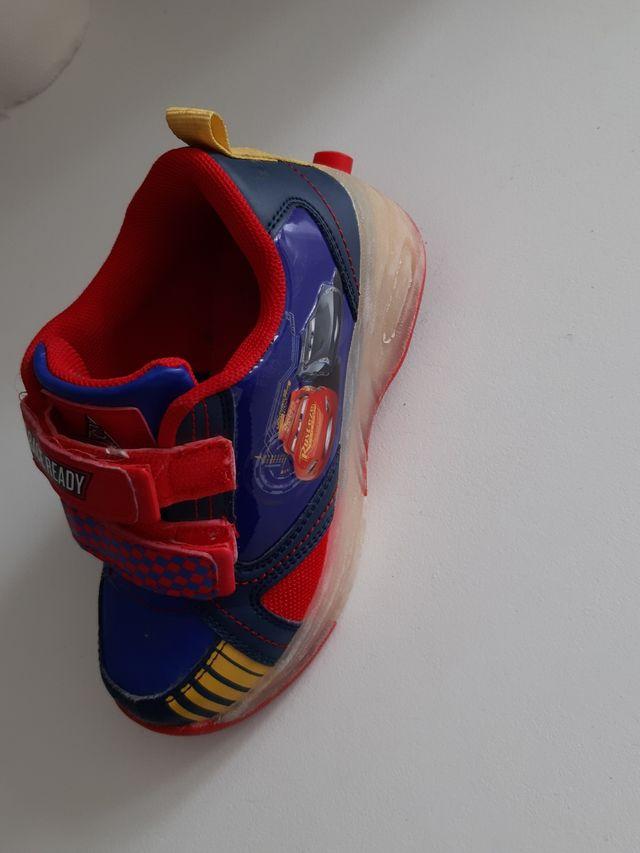 zapatillas para niño con patin