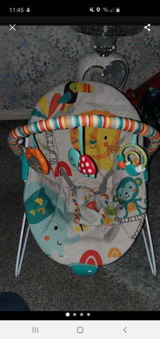 baby vibrating bouncer with mobile