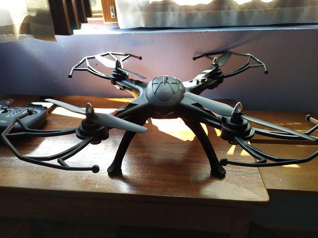 Dron R'Bird