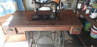 Máquina de coser Griztner