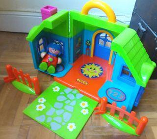 Casa maletín Imaginarium con 2 vallas y muñeco