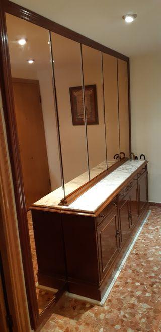 Mueble entrada y espejos biselados