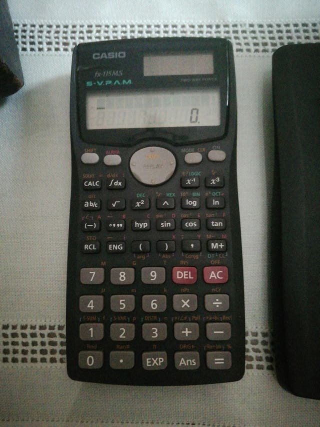 Calculadora Casio fx-115MS