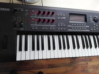 Teclado Yamaha Moxf 6
