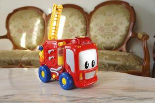Camión de bomberos de juguete.Puzzle de madera