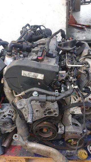motor 1.8 turbo en perfecto estado pocos kilómetro