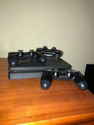 Vendo ps4 con 3 mandos y cascos gaming.
