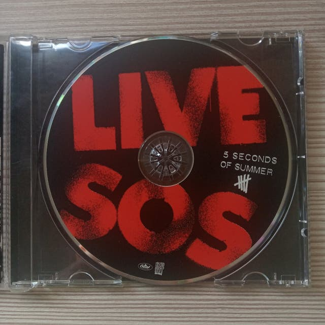 LIVE 5SOS