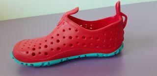 Escarpines/zapatillas de agua
