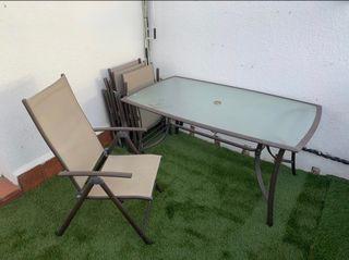 Mesa y sillas jardín o terraza en perfecto estado