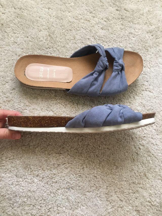Sandalias nudos