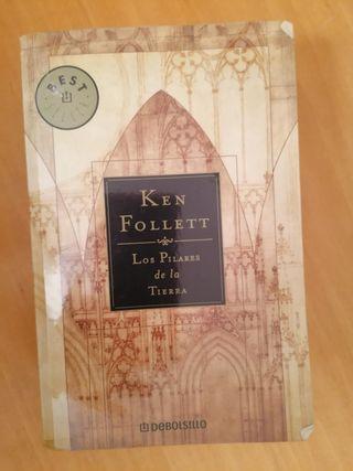 Los pilares de la Tierra, de Ken Follet.