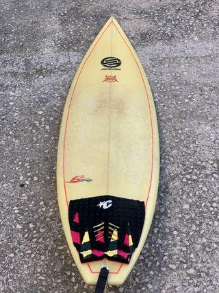 Tabla de surf con funda