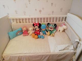 Cuna-cama con colchón, protector y sábanas