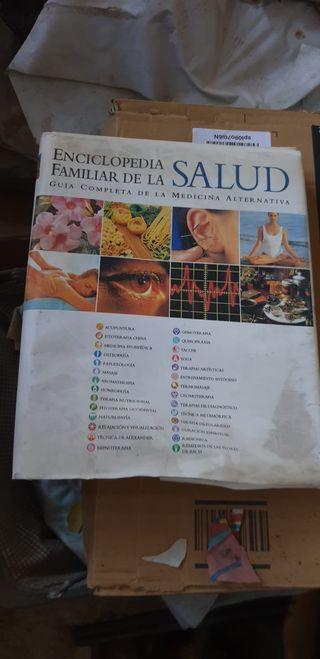 Enciclopedia de Salud + otro libro