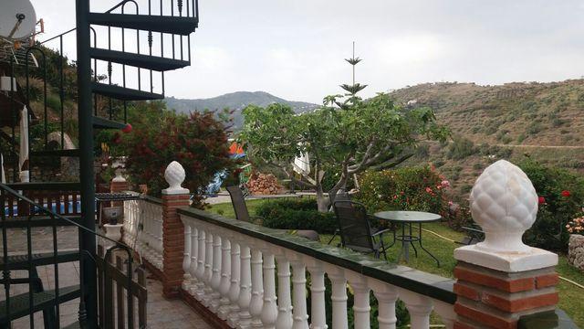 Chalet de alquiler en Torrox con piscina (Torrox, Málaga)